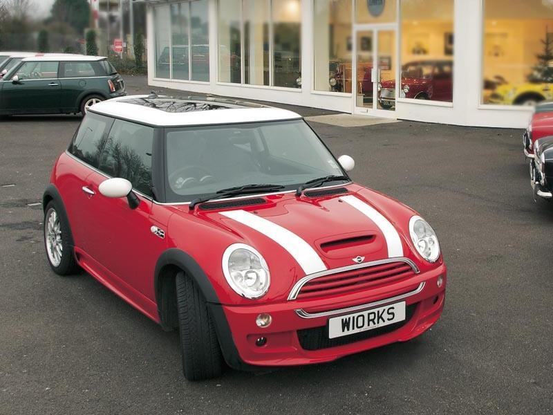 modified cars - modern racer - features - mini cooper s works