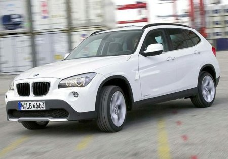 2010-bmw-x1-1. Looking virtually identical to the X1 Concept that debuted at